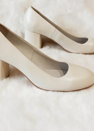 Кожаные туфли 40 р