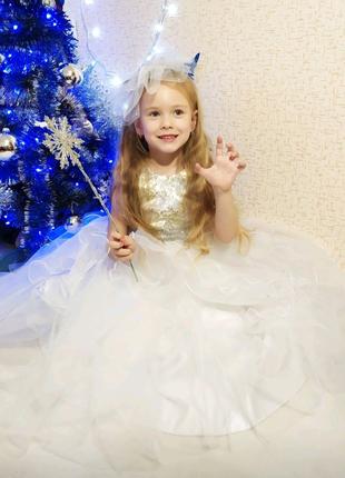 Красивое платье Снежинка