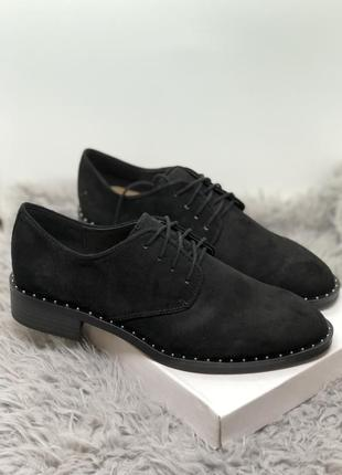 Чёрные туфли, оксфорды бренд