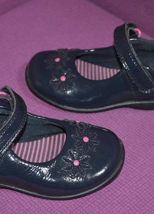 Кожаные туфельки clarks с мигалками