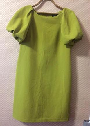 Платье свободного кроя с интересными рукавами