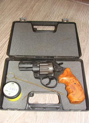Игрушечный револьвер Stalker