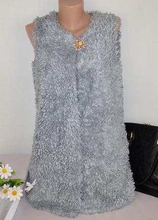 Брендовая меховая жилетка с карманами centigrade