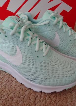Новые женские кроссовки nike air max motion lw se