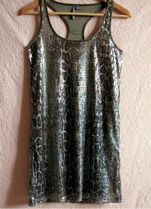 Модное платье-туника bershka из пайеток со змеиным принтом