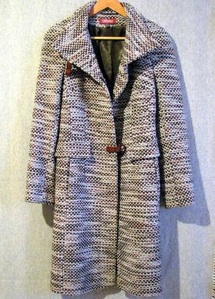 Новое актуальное демисезонное теплое шерстяное пальто букле