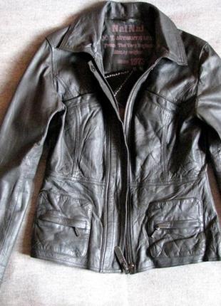 Стильная классная кожаная куртка naf naf