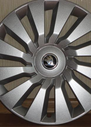 Продам Оригинальные колпаки Skoda Octavia A7 R16 Шкода Октавиа А7