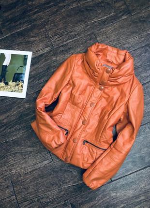 Очень стильная дутая теплая куртка из натуральной кожи от mand...