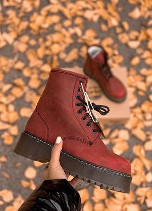 Шикарные бордовые ботинки dr. martens на меху