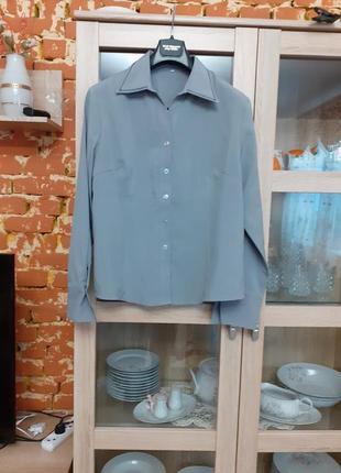 Стильная и деловая с вышитым воротником рубашка