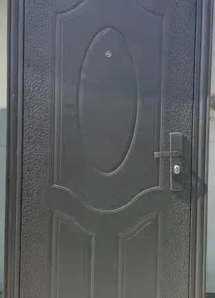 Металлические входные двери Китай