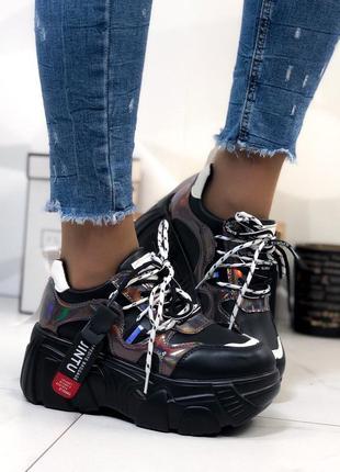 Кроссовки женские на высокой подошве черные