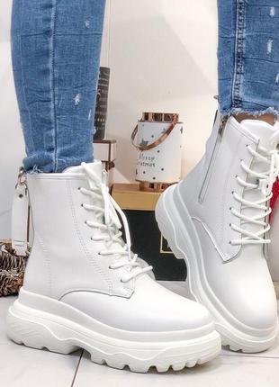 Ботинки белые высокие на меху женские