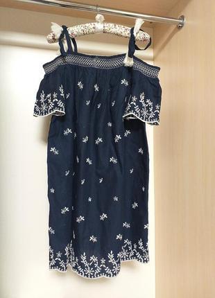 Блуза из вышитой прошвы с открытыми плечами