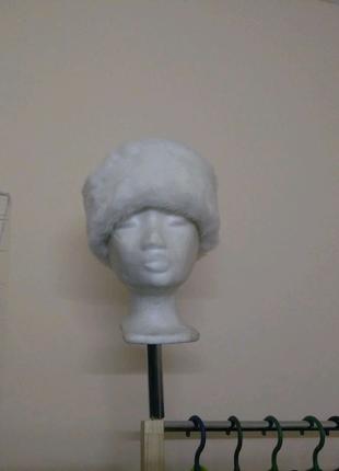 Шапка женская зимняя белая тьоплая