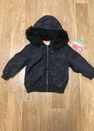 Куртка с капюшоном мехом