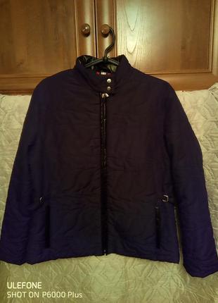 Демисезонная итальянская стеганая женская куртка .