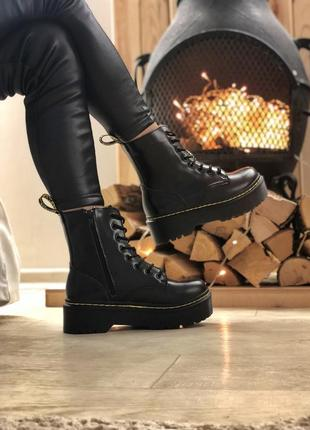 Женские черные зимние ботинки на платформе dr martns jadon