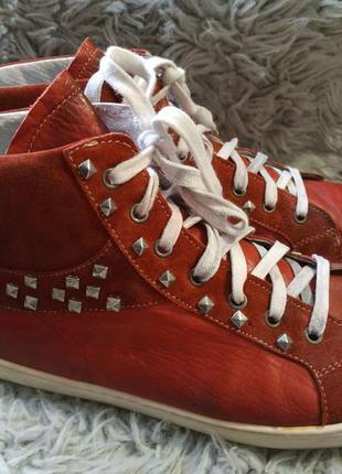 Шикарные гламурные ботинки bagatt