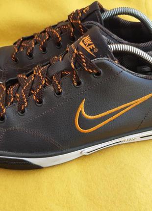 Классные кроссовки nike