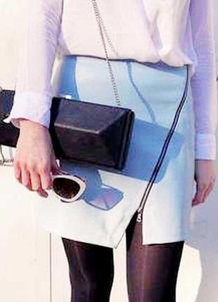 Стильная юбка эко кожа,голубая пудра с косой молнией