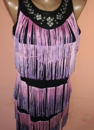 Платье стильное размер s.