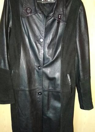 Черный кожаный плащ на 50-52 размер
