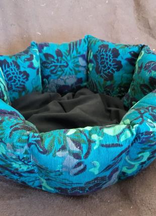Лежанка лежак спальное место для кошек и собак размер 30×30×19см