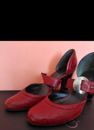 Кожаные босоножки туфли 40 размер