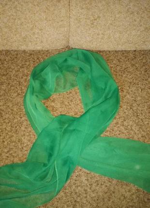 Ярко зелёный платок шарф