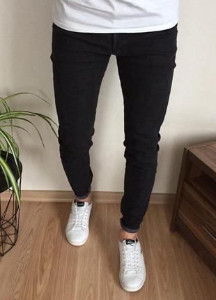 Крутые мужские зауженные джинсы h&m