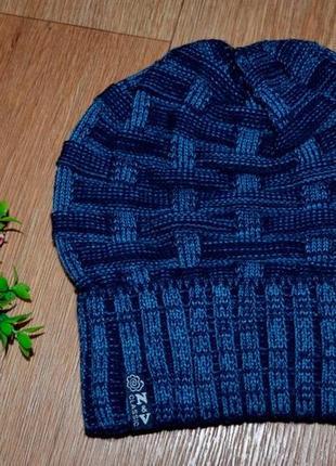 Женская вязанная шапка весна- осень