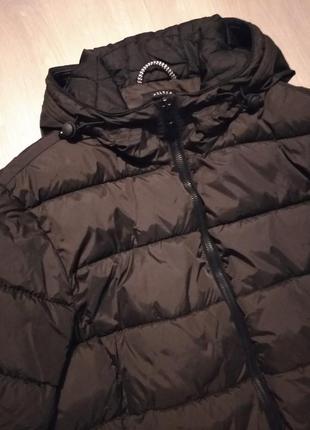 Брендовая куртка с капюшоном хаки