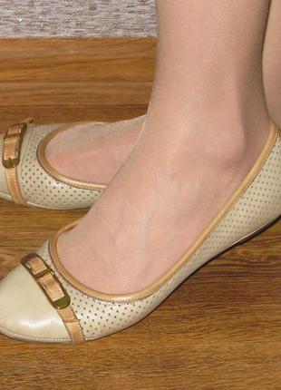 Продам полностью кожаные балетки (туфли) 38р.