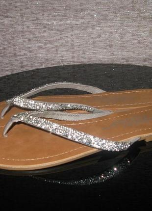 Красивые серебряные босоножки вьетнамки шлепанцы fabulous foot...