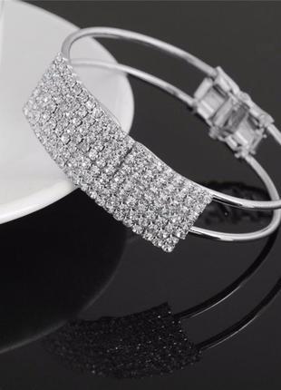Нарядный браслет с камнями fashion jevelry