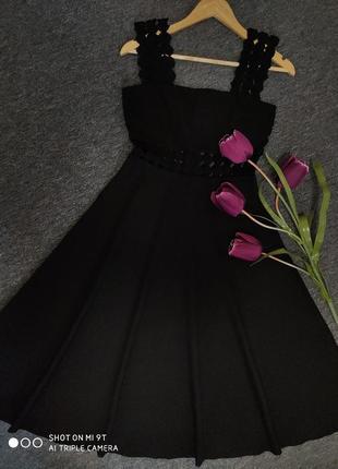 Крутое платье миди с кружевом раз.s