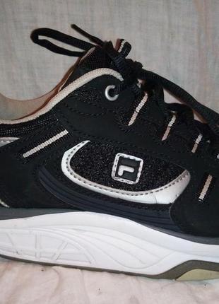 Кроссовки fila черные ,теплые