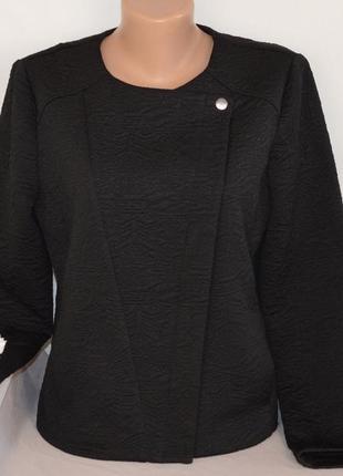 Брендовая черная легкая фактурная куртка пиджак косуха на молн...