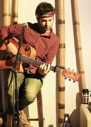 Даю уроки по акустической гитаре
