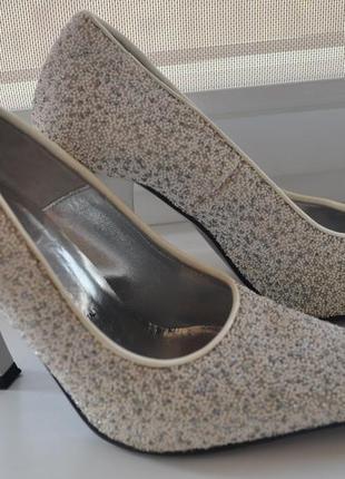Белые туфли loriblu с кристаллами swarovski 36