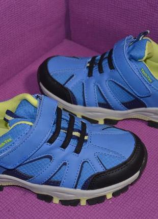 Яркие мембранные кроссовки для мальчика crane