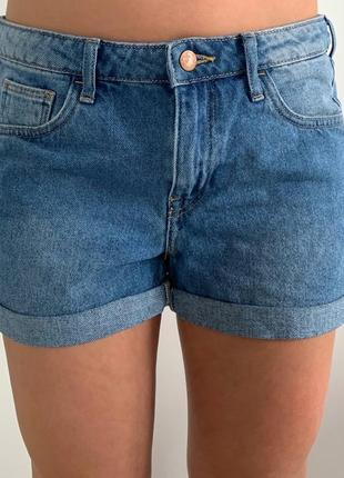 Шорти джинсові, світлі шорти, шорты.