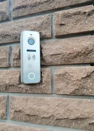 Установка видеодомофона и систем контроля доступа