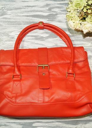 Allexandro ferrera. кожа. вместительная красная сумка