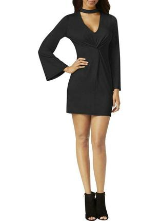 Черное платье минималистичное с чокером с акцентом на рукавах ...