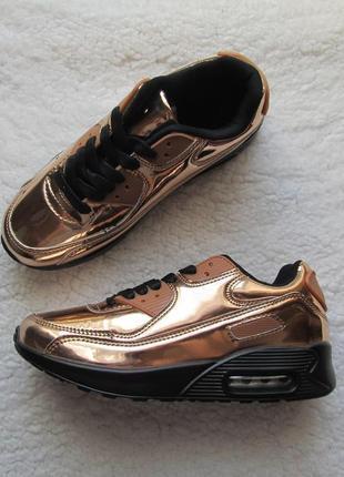 Кроссовки золото