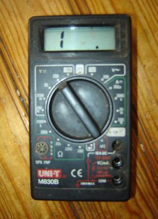 Мультиметр М830В в не рабочем состоянии