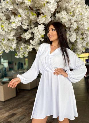 Нарядное платье с длинным рукавом Белое